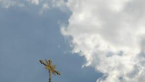 Kors i himmel royaltyfria bilder