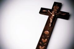 Kors med diagramet av Jesus på vit bakgrund Royaltyfria Foton