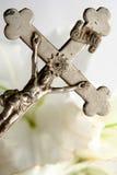Kors och easter liljar Royaltyfri Foto
