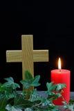 Kors och stearinljus Arkivfoton