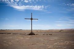 Kors på öknen fotografering för bildbyråer