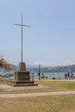 Korsa i den centrala fyrkanten av Paraty - Rio de Janeiro Royaltyfria Bilder