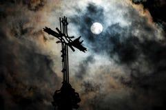 Korsa på en kyrka Fotografering för Bildbyråer