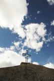Korsa på stenen Royaltyfri Bild