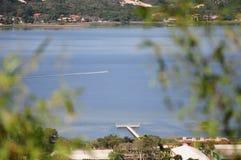 Korsa sjön Fotografering för Bildbyråer