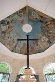 Korset för Magellan ` s och takmålningarna, Cebu stad som är filippinsk Royaltyfria Foton