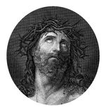 Korsfästelse av Jesus Christ som bär kronan av taggar Arkivfoto