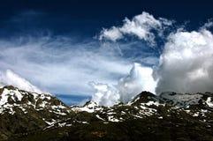 Korsika moln royaltyfri bild