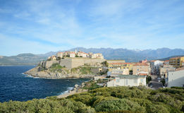 Korsische Küstenstadt Calvi Stockbild