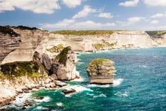 Korsische Landschaft mit Meer und Küstenlinie, nahe Bonifacio Stockbild