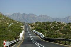 Korsning för landsväg en bro sydliga Afrika Arkivfoton