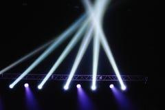Korsning ljus i showtiden Arkivfoto
