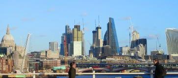 Korsning Waterloo bro london uk Januari 2017 Royaltyfri Bild