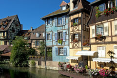 Korsvirkes- hus, Colmar, Alsace, Frankrike Royaltyfria Bilder
