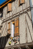 Korsvirkes- hus i den Soreze byn, Frankrike Royaltyfria Bilder