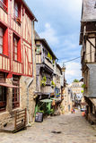 Korsvirkes- hus i Dinan, Brittany, Frankrike Arkivfoton