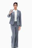 Kort för affär för Saleswomanvisning tomt Arkivfoton