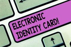 Kort för identitet för handskrifttext elektroniskt Digital lösning för begreppsbetydelse för provexemplar av identiteten av medbo royaltyfria bilder