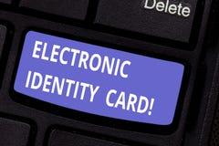 Kort för identitet för ordhandstiltext elektroniskt Affärsidé för den digitala lösningen för provexemplar av identiteten av medbo arkivbild