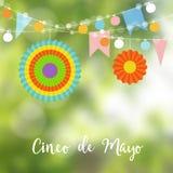 Kort för mexikanCinco de Mayo hälsning, inbjudan Festa garnering, rad av ljusa kulor, pappersflaggor och färgrikt royaltyfri illustrationer