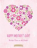 Kort för moderdag med hjärta av blommor på rosa bakgrund Fotografering för Bildbyråer