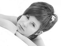Kort haired meisje met witte wimpers en uiterst klein Royalty-vrije Stock Afbeelding