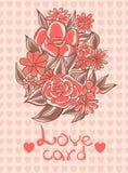 Kort med blommor och förälskelsehjärtor på en rosa bakgrundsvanilj Royaltyfri Fotografi