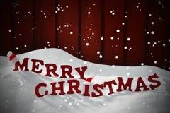 Kort med glad jul för röd bokstav, snö, snöflinga, Santa Hat Royaltyfri Bild