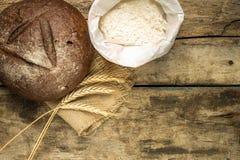 Kort med olikt snällt bröd Arkivfoton