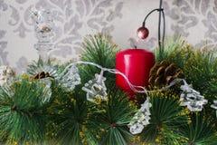 Kort med stearinljus och garneringar för det nya året Arkivbild