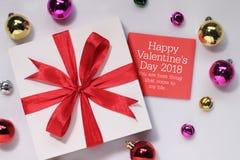 Kort och gåva för dag för valentin` s Arkivbilder