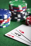 kortchiper som leker poker Royaltyfri Fotografi
