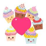 Kortdesignen med muffin roliga Kawaii tystar ned med rosa kinder och att blinka ögon och rosa hjärta för din text, pastellfärgade stock illustrationer