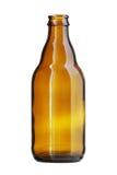 Korte Bruine die Bierfles op witte achtergrond wordt geïsoleerd Stock Fotografie
