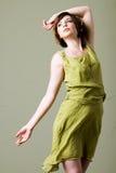 Korte haarvrouw met kleding royalty-vrije stock foto