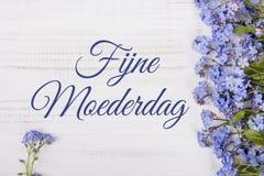 Kortet för dagen för moder` s med holländare uttrycker: Lycklig dag för moder` s, Royaltyfri Foto