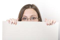 kortexponeringsglas som rymmer kvinnan ung Royaltyfria Bilder