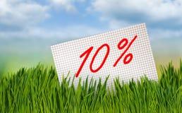 Korting voor verkoop, 10 percentenkorting tegen de hemel Stock Foto's