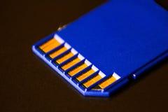 kortminne sd Blått är på bärbara datorn Royaltyfria Foton
