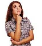 Kortsluter tummar för positivt tecken för kvinna ja, skjortan Royaltyfri Bild