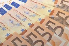 kortslutning för pengar för fält för bakgrundsdjupeuro Royaltyfria Foton