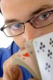 kortspelareshuffler royaltyfri bild