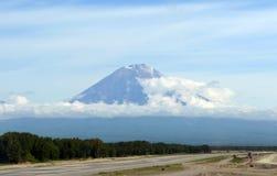 Koryak vulkan. Kamchatka Arkivbild