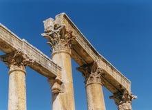 Korynckie kolumny wzdłuż Cardo obraz stock