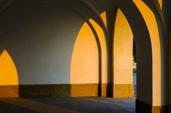 Korytarz kolumnady arkady tło zdjęcie stock