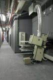 Korytarz z projektorami i maszynerią dla kin Zdjęcia Stock
