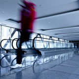 korytarza eskalatorów grey ruchu osoba Obraz Stock