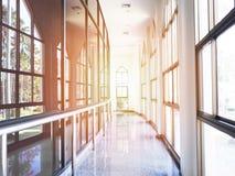 Korytarza lub korytarza wnętrze z szklanymi okno Obraz Stock
