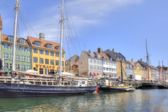 Korytkowy Nyhavn jest w mieście Kopenhaga Obrazy Stock
