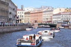 korytkowy Petersburg rzeki święty Zdjęcia Stock